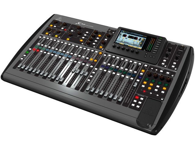 Behringer X-32 Digital Console with roadcase